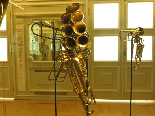 I'm kind of amazed this is not a more popular trombone today.